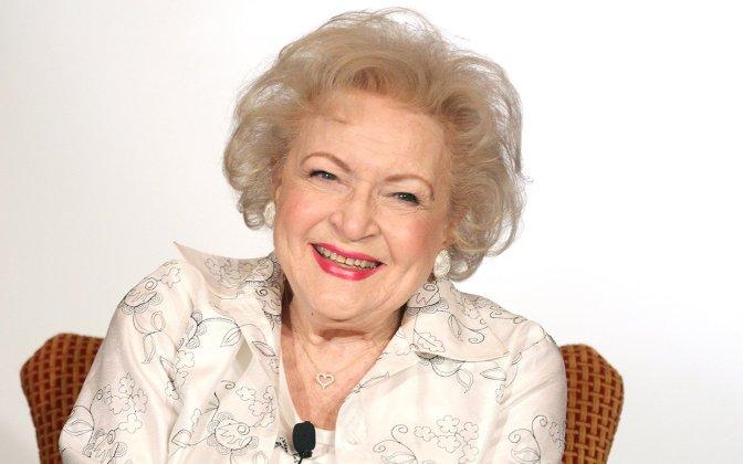 Flashmob: Happy 93rd Birthday, Betty White