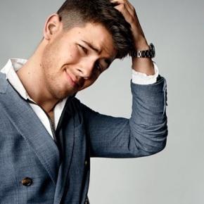 Nick Jonas Flaunts His Abs In 'GQ' Magazine