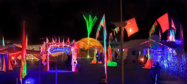 2013_burning_man_-_comfort_and_joy_20140319_1092058273
