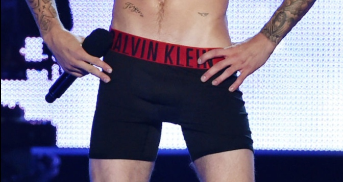 Yes, Virginia, Justin Bieber Has A Huge Cock #NSFW