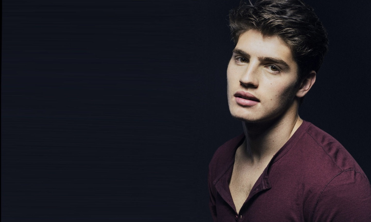 Today's Gratuitous Pics: Gregg Sulkin Shirtless in 'Flaunt' Magazine