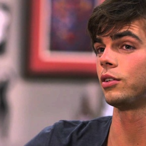 Reid Ewing Nonchalantly Comes Out onTwitter