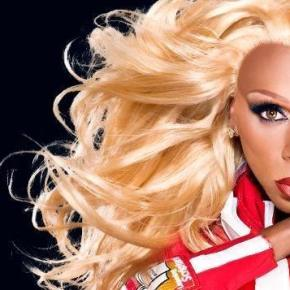 RuPaul explains the difference between drag queens and transgender people