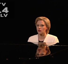 SNL: Kate McKinnon Cold Opens as Hillary In A BeautifulWay