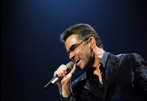 George Michael, Pop Superstar, Has Died at 53 – The New York Times