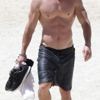 Shirtless Sunday: Chris Hemsworth
